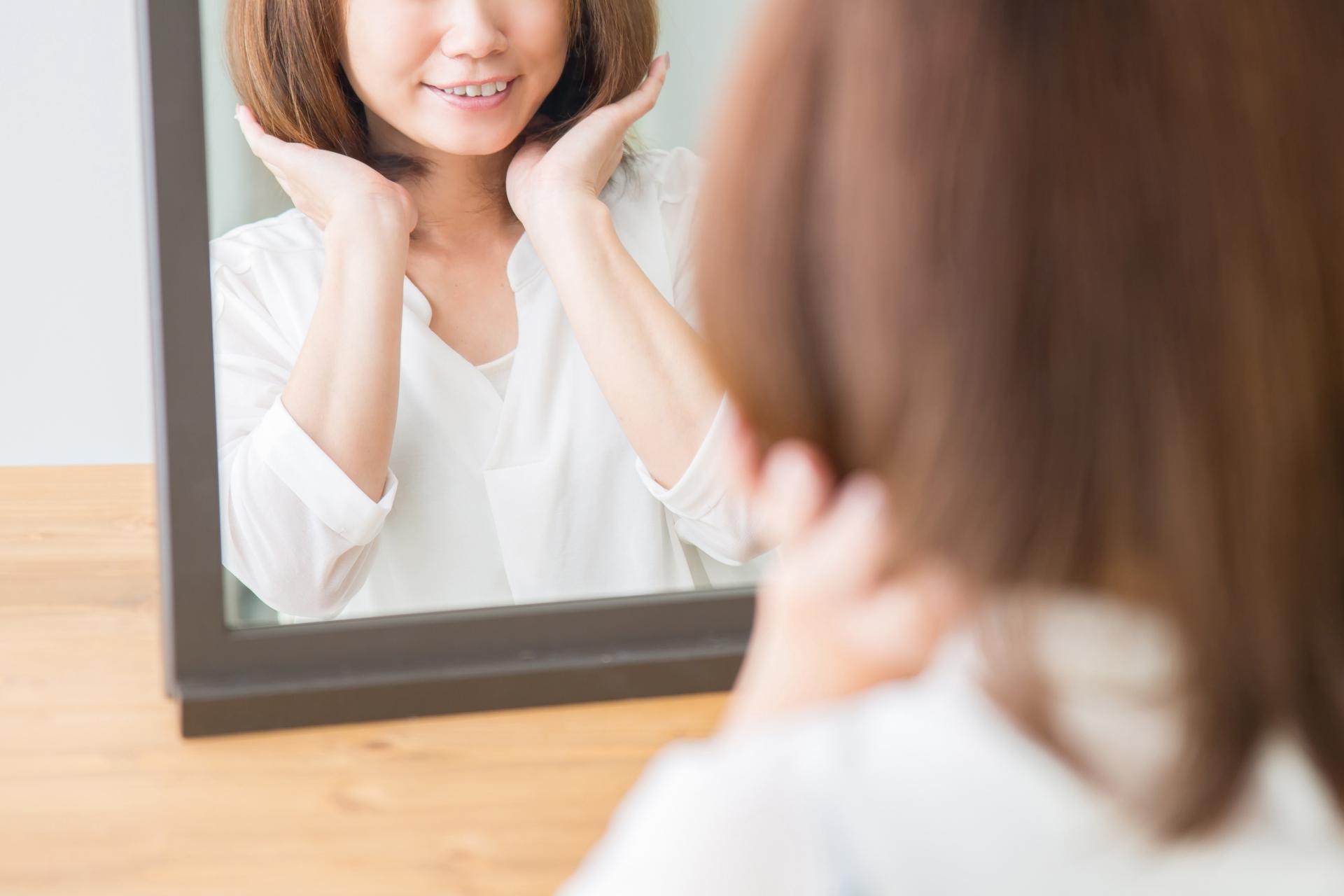 髪のボリュームが気になる女性